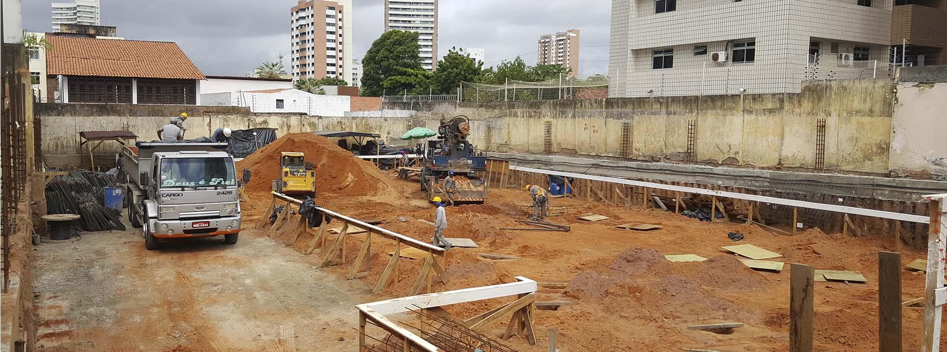 Vista canteiro de Obra - Etapa de fundação Indireta - Foto 2 - Maio.2018
