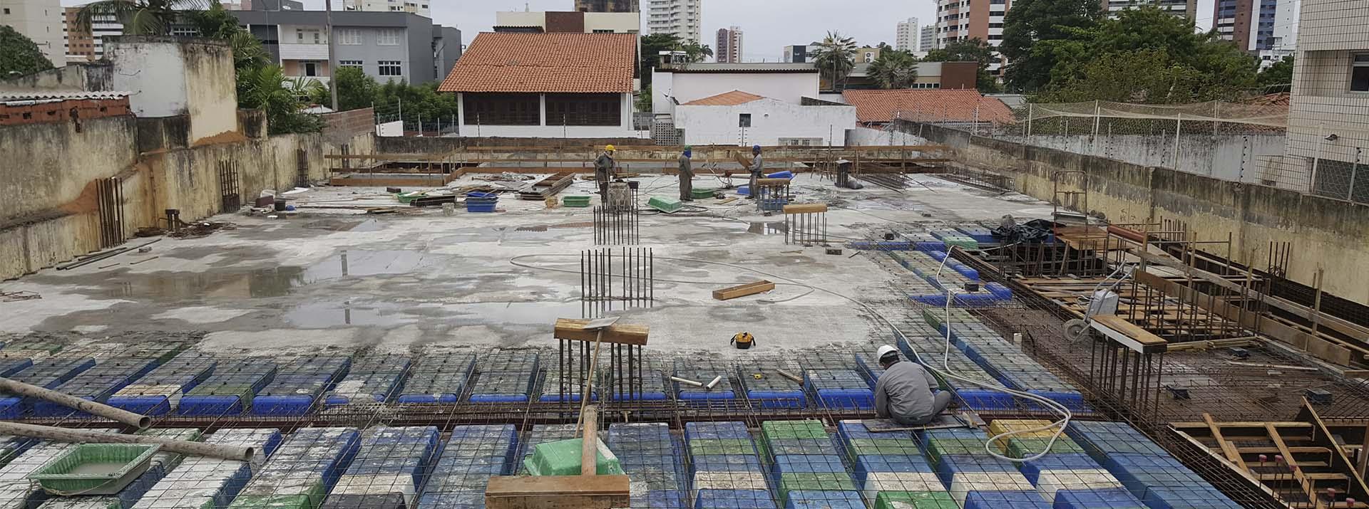Vista Canteiro de Obra - Etapa Estrutura do Pavimento Térreo - julho 2018