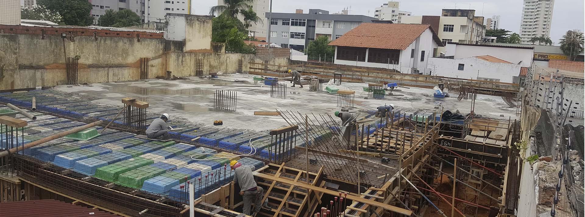 Vista Frontal Canteiro de Obra - Etapa Estrutura do Pavimento Térreo - julho 2018